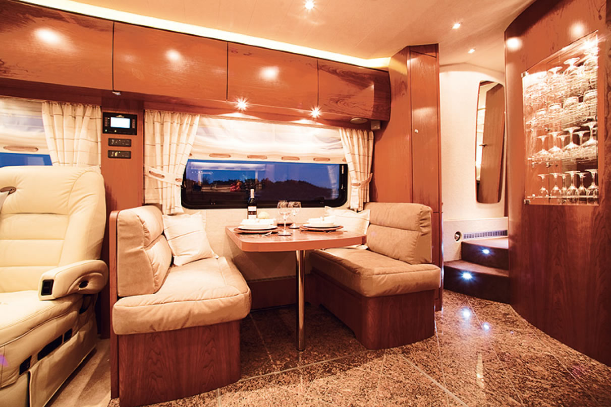 Dusche Beidseitig Offen : Reisemobil VARIO Perfect 1200 Platinum ...