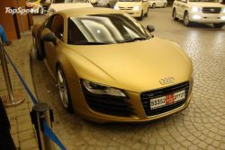 Supersportwagen in Gold getaucht - Audi R8 in Dubai