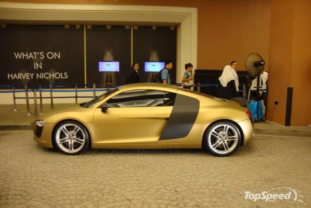 supersportwagen in gold audi r8. Black Bedroom Furniture Sets. Home Design Ideas