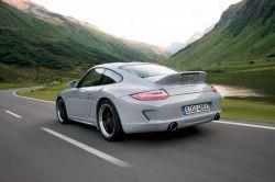Porsche 911 zeigt sich mit Entenschwanz