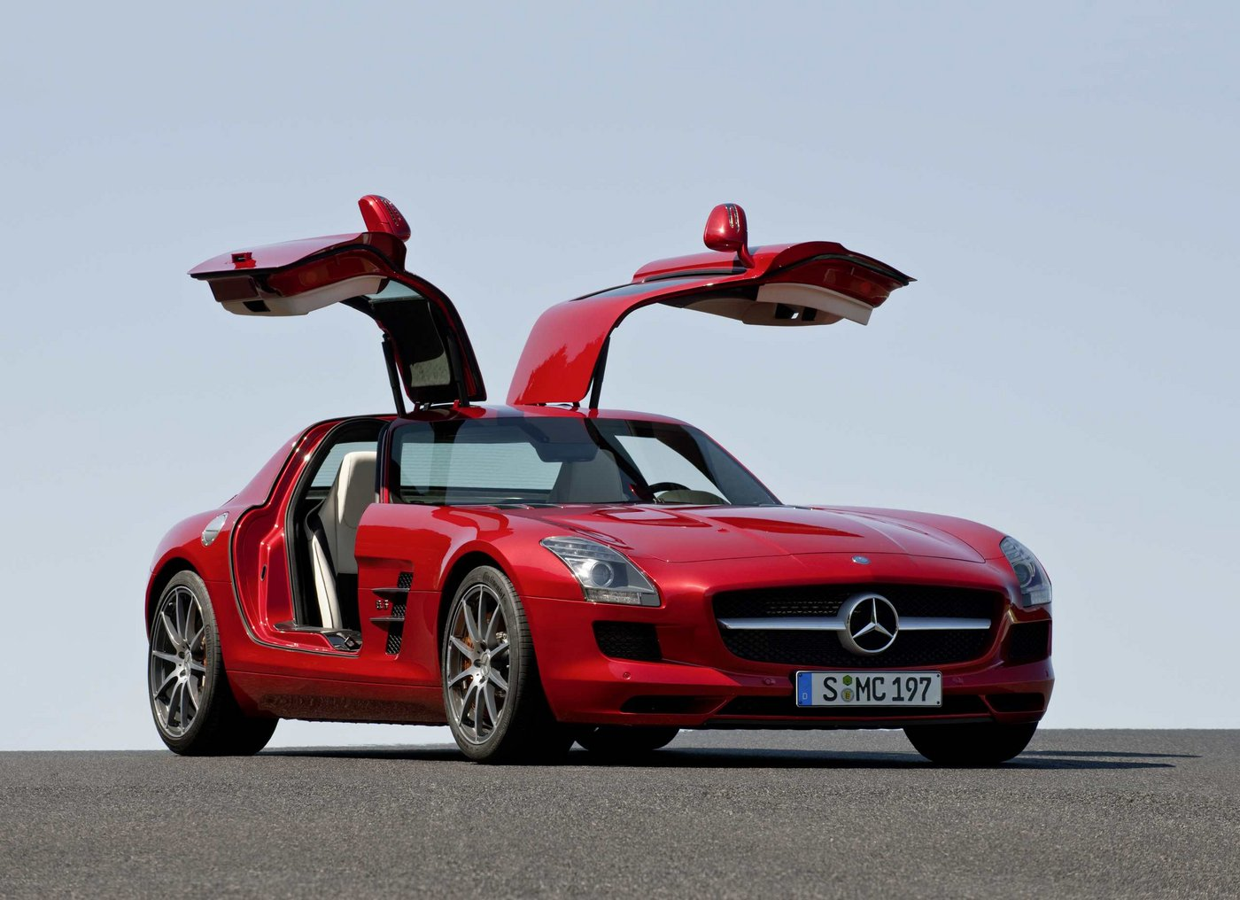 mercedes benz sls amg fl gelt rer. Black Bedroom Furniture Sets. Home Design Ideas