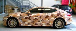 Porsche Panamera in tarnfarben
