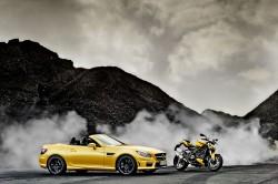 Mercedes-Benz SLK 55 AMG und Ducati Streetfighter 848