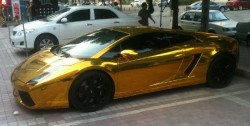 goldener Lamborghini Gallardo in China