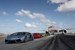 Lamborghini Aventador Roadster schafft 338 km/h auf der Startbahn in Miami