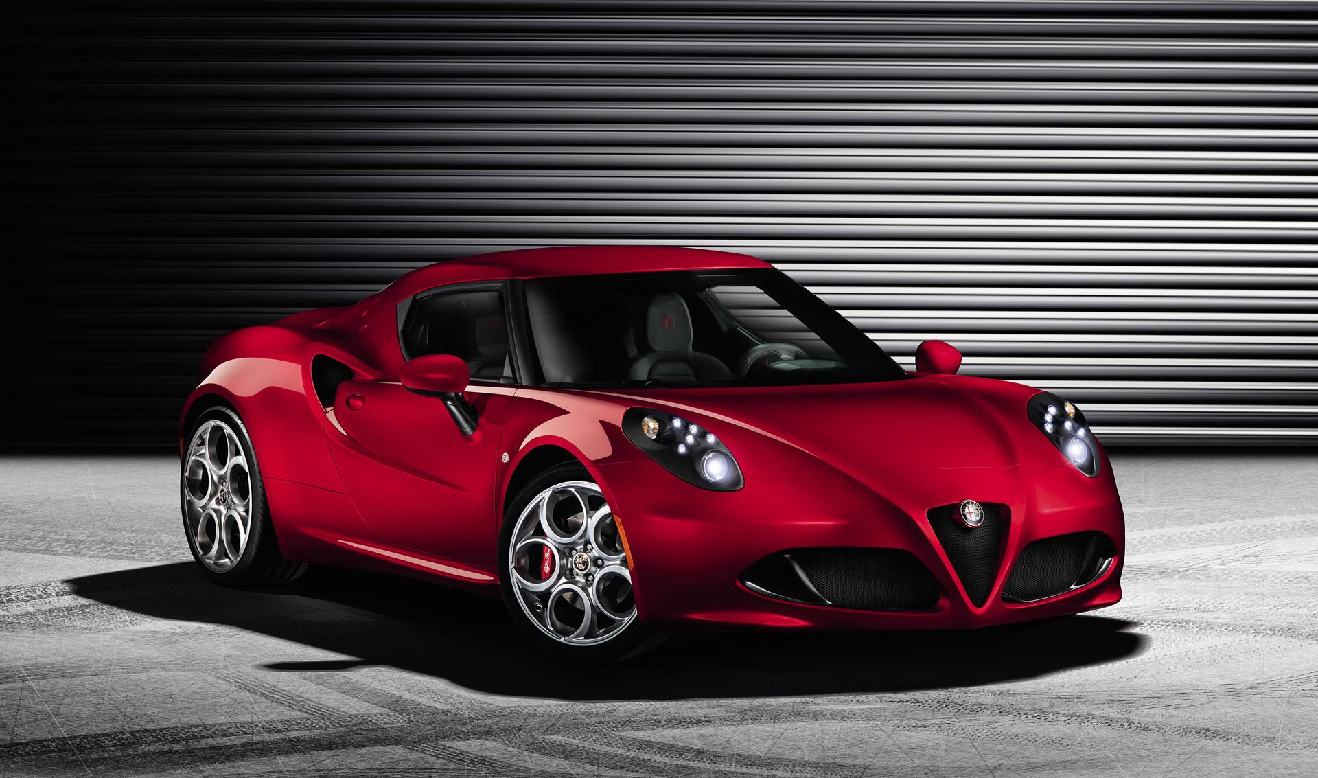 Neuer Italo-Sportler: Alfa Romeo 4C feiert Premiere in ...