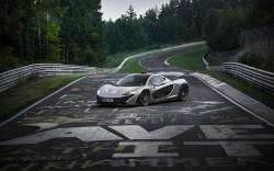 McLaren P1 bezwingt die Grüne Hölle in unter sieben Minuten