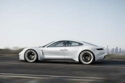 Porsche Mission E - viersitziger Sportwagen mit Elektroantrieb